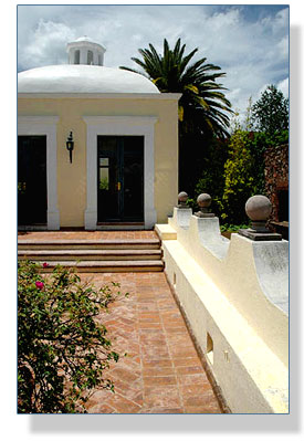Exterior space design and restoration, Mexico, by Phyllis Lapham of Lapham Line